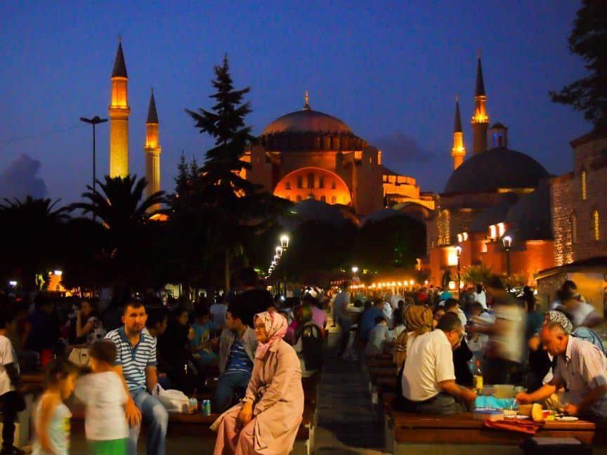 Istanbul crowds