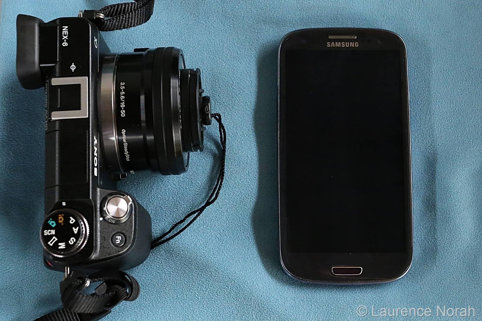 NEX6 next to galaxy s3 smartphone comparison