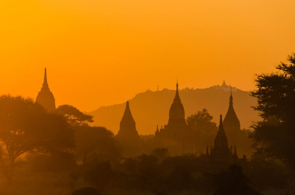 Sunset at Bagan © Dustin Main 2014