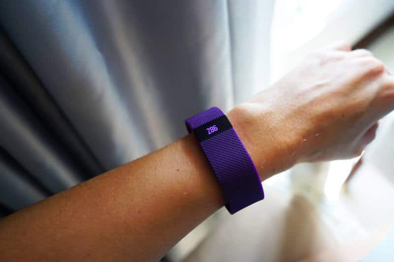 fitbit charge hr on wrist
