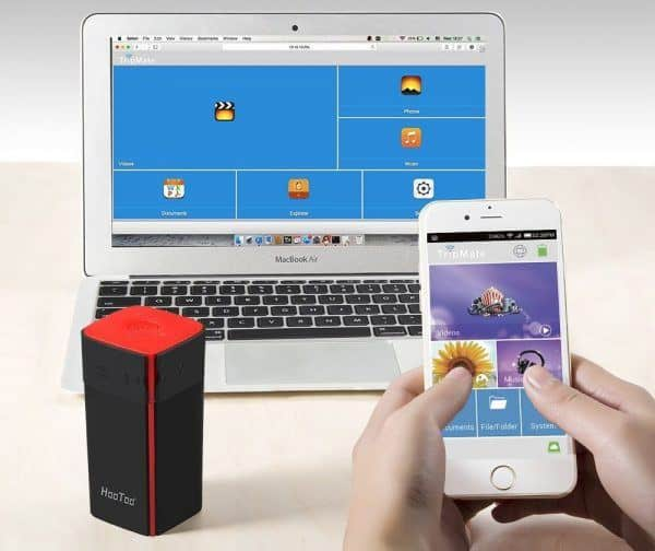 Hootoo Wireless Travel Router with laptop