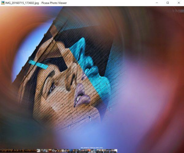 Google's Picasa (no longer supported) has tiny thumbnails and text on the QHD+ display of the Dell XPS 13