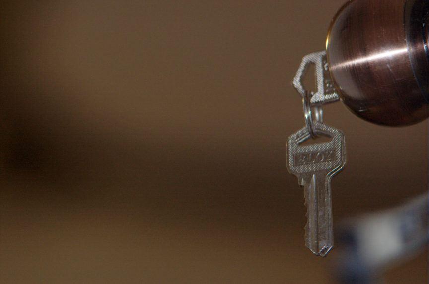 Door key Airbnb alternatives