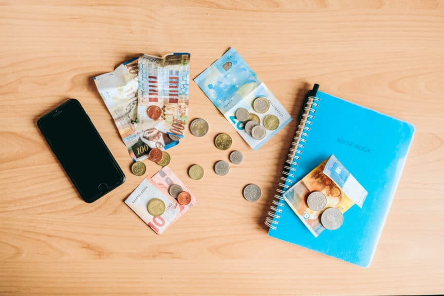 Best budget tracking apps for travel