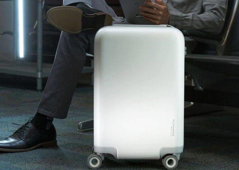 Incase NoviConnected Smart Luggage