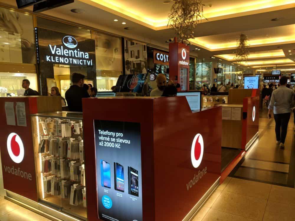 Vodafone kiosk, Prague