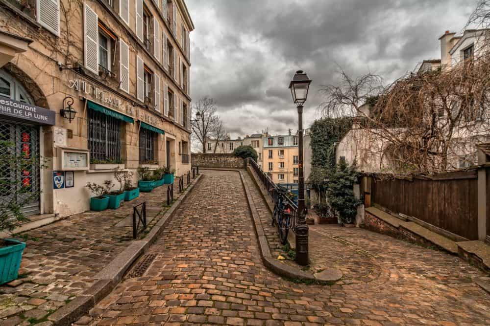 Montmartre path