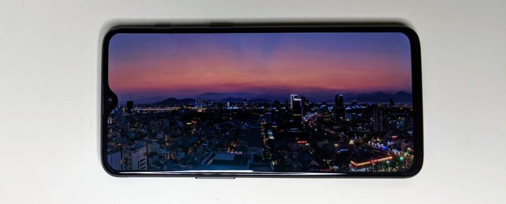 OnePlus 6T screen