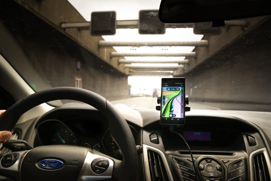 Car using smartphone for navigation