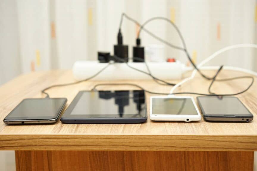Multiple devices charging from power strip