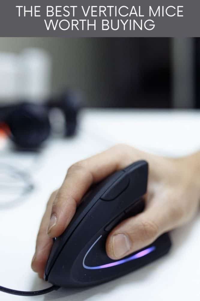 Man using vertical mouse